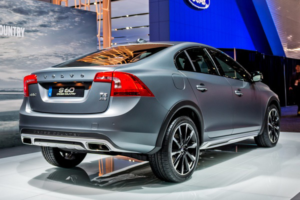 Volvo S60 Cross Country - Фото 2