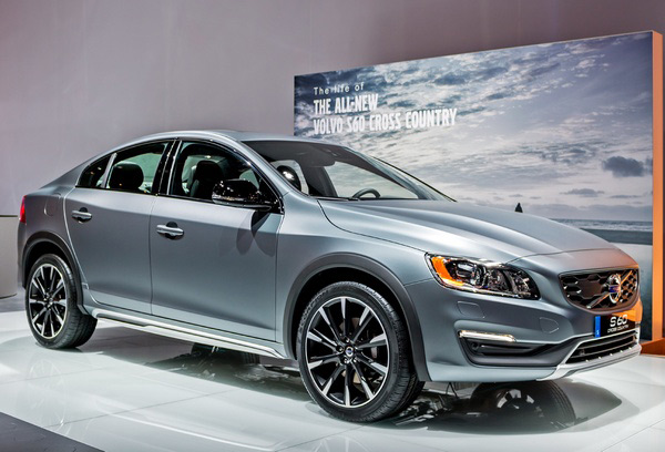 Volvo S60 Cross Country - Фото 1