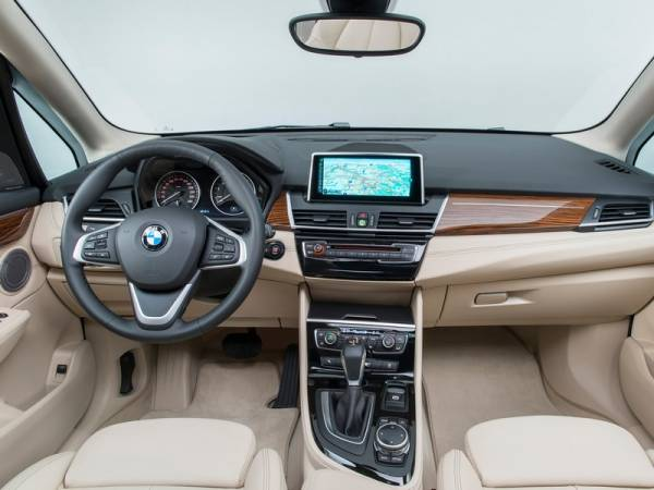 BMW 2-Series Active Tourer - Фото салона