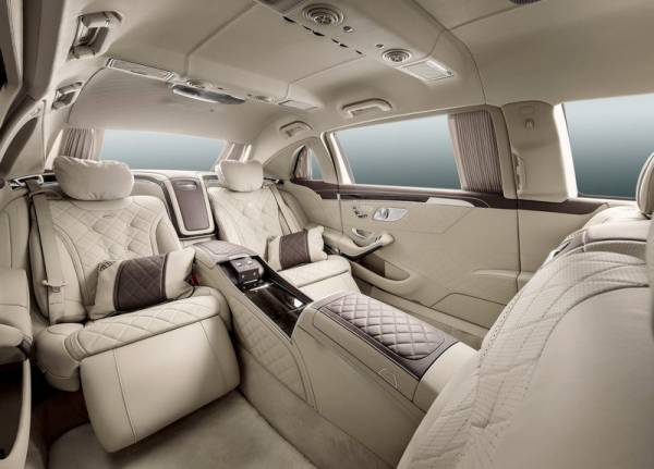 Женева 2015: лимузин Mercedes-Maybach Pullman